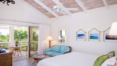 Photo for Spacious and tranquil beachfront in the heart of Grace Bay Beach