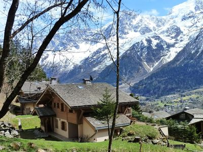 Photo for Les Houches south facing apartment on the ground floor in chalet facing chain MT WHITE