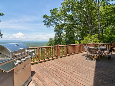 Photo for Modern log cabin w/ gorgeous views, game room w/ pool table, foosball, & wet bar