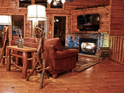 Photo for Spacious Cabin between Gatlinburg and Pigeon Forge