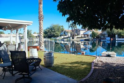 Lakefront View! Paddle Boat, Tangerine & Lime Trees, Bonfire pit, Grill & Garden
