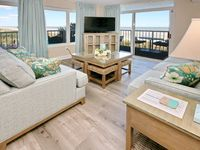 Beautiful, cozy condo with gorgeous ocean views