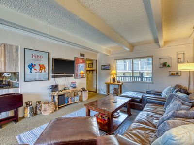 Photo for NEW LISTING! Spacious condo w/shared hot tub/pool/sauna, bus to town/slopes