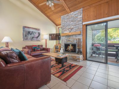 RMR: Lovely Townhome Close to National Parks!