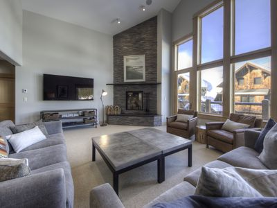 Photo for Luxury Lodging Walking Distance To Dining, Ski Access, & Activities! Ski Access!