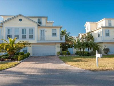 Private Heated Pool - in Holmes Beach - Short 4 Minute Walk to the Beach!