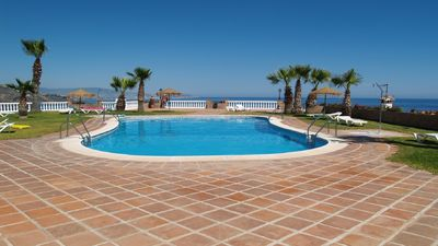 Photo for Holiday home 6 people any comfort beautiful communal pool superb views
