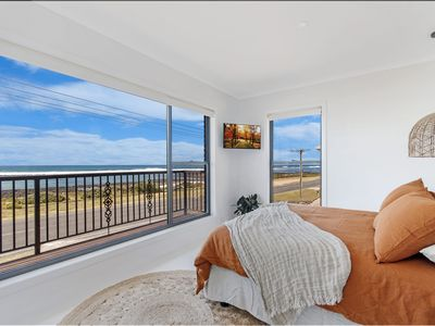 Photo for 10 OCEAN VILLA - Port Fairy, VIC