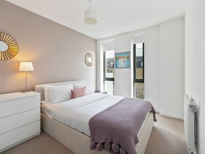 Photo for Chic 2Bed East London Flat w/Private Balcony