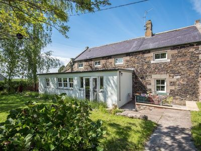 Photo for WELL HOUSE warm, welcoming country cottage, sleeps 6. Pretty village setting