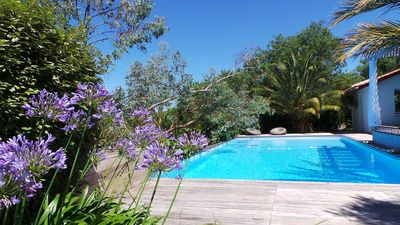 Photo for Villa with large swimming pool at 5.5km from the beaches of Saint Jean de Luz, 2km from the golf course