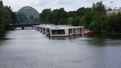 Photo for Luxury houseboat centrally in Hamburg