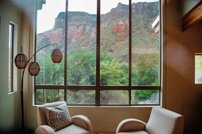 beautiful front room with VIEWS VIEWS VIEWS
