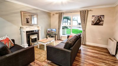Photo for FABULOUS city townhouse. PERFECT for groups of 12