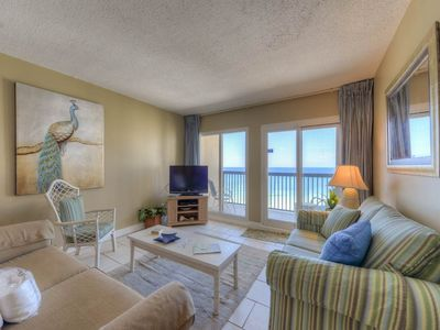 Photo for Charming condo, Steps from the gulf, Restaurants minutes away
