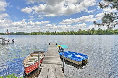 This property offers sleeping space for 10 and a prime lakefront location.