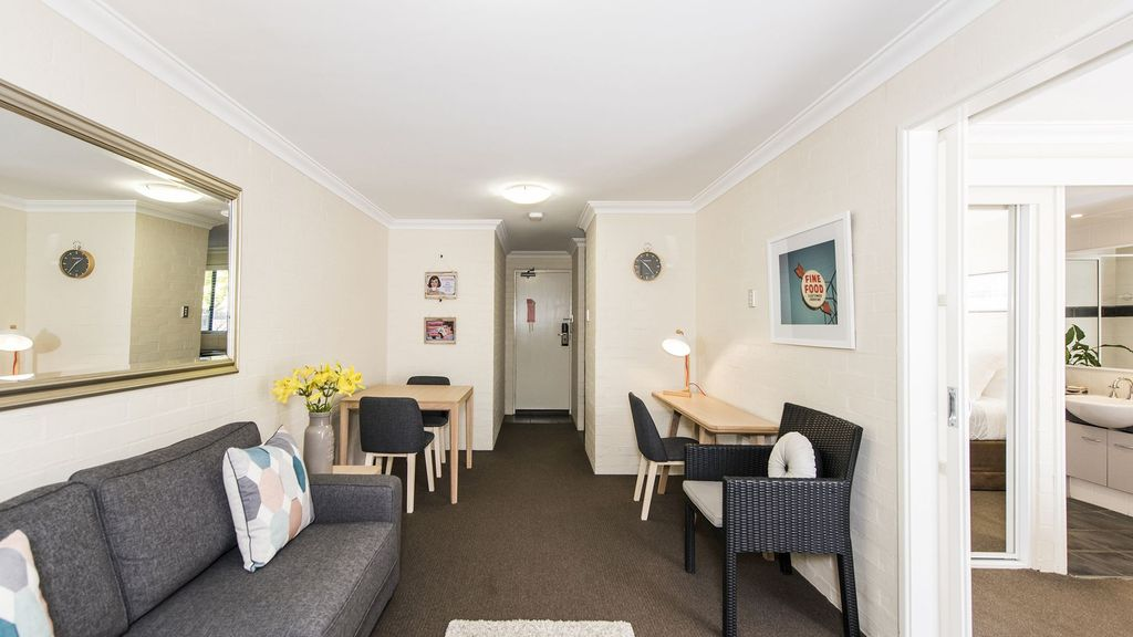 Staywest Subiaco Village - 28 with pool & spa