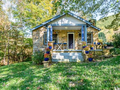 Photo for Cuddles Cottage: Private Hot Tub, Deck & Fire Pit close to Asheville