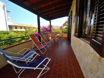 Photo for AL061 Apartment sleeps 6, parking, barbeque, 200 meters from the beach