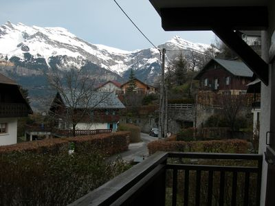Photo for Spacious Apartment, Mountain Views, easy access to slopes and shops