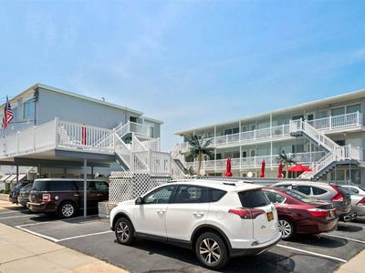 Photo for Crest Ocean View Condo w/pool. Sleeps 5. Bikes, beach chairs, linens, towels!