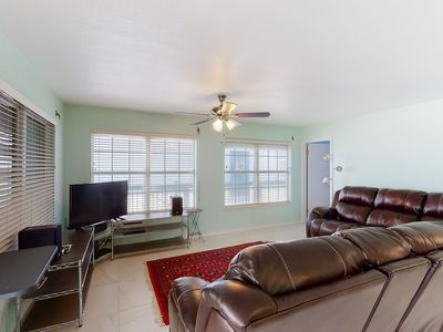 Photo for NEW LISTING! Quaint beach cottage with private hot tub - close to golf!