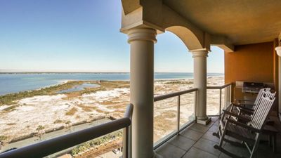 Photo for 2BR Condo Vacation Rental in GULF BREEZE, Florida