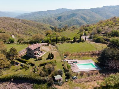 Photo for Rural Tuscany | Independent villa with private pool and garden