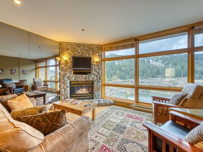Photo for Walk to the slopes from this remodeled condo in a convenient location