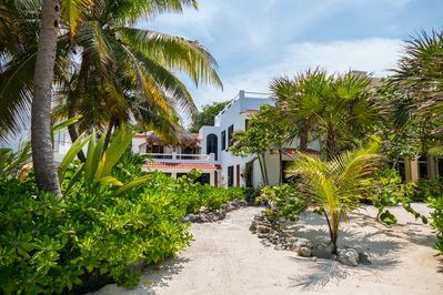 Villa Mayamor Beach Front Villa in South Akumal  - Perfect for your family holiday on the Riviera Maya