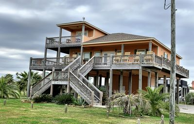 Seaside MERRYment - 4 Bedroom + Bonus Room, 2 Bath, Sleeps 16.