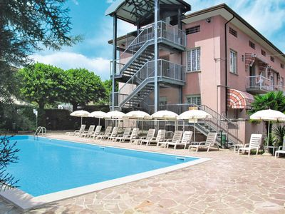 Photo for One bedroom Apartment, sleeps 4 in Sirmione with Air Con and WiFi