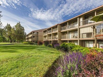 Photo for Redmond, OR: 1 Bedroom Suite with Balcony, Mini Kitchen, 2 Pools, 3 Golf Courses