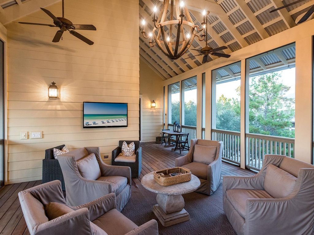 across from frog pool outdoor living room vrbo 2nd floor screened in porch
