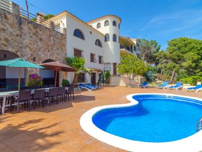 Photo for Club Villamar - Rent this villa to enjoy your holiday with your friends!
