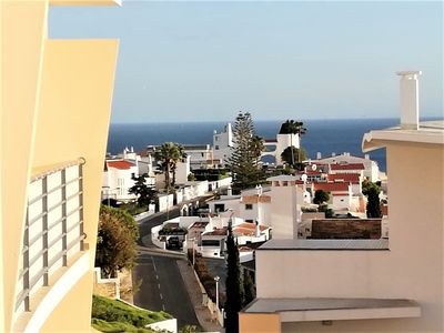 Photo for Magnificent apartment with swimming pool, tennis court and sea view in Albufeira.
