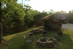 Photo for 3BR Recreational Vehicle Vacation Rental in Williamsport, Tennessee