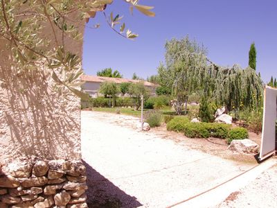 Photo for New apartment for 4 people with swimming pool in Isle sur la Sorgue