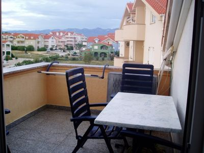 Photo for Apartment 263 m from the center of Povljana with Air conditioning, Parking (458709)