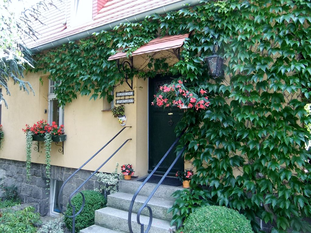 Cozy, very comfortable apartment, homely atmosphere and a beautiful garden. Photo 1