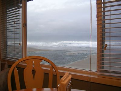 Beautiful view from the dining table.