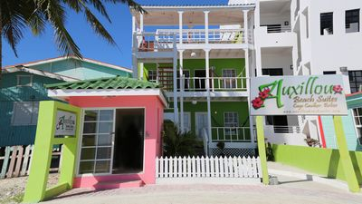 Photo for 2 Queen Beds, Oceanfront, Breathtaking Ocean Views, A/C, Kitchenette, Hammock