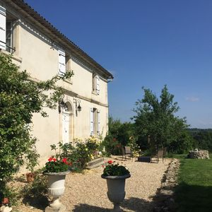 Photo for Splendid Girondine Property: Entire house of 4 bedrooms near St Emilion