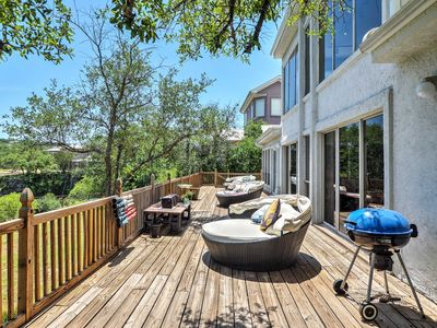 Photo for Waterfront Lake Travis Luxury Home w/ Large Deck!