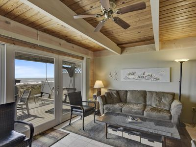 Photo for Spacious Updated Townhome - Grill, Flat-Screen TVs & Ocean Views