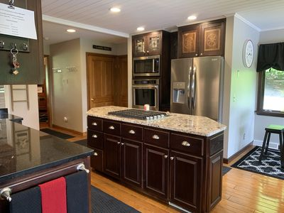 Modern fully equipped chefs kitchen has it all!!