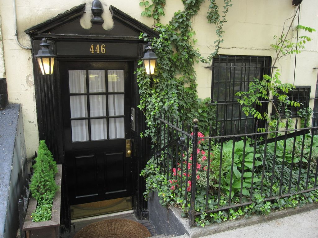 Nyc chelsea highline gallery district luxury townhouse for Townhouse for rent nyc