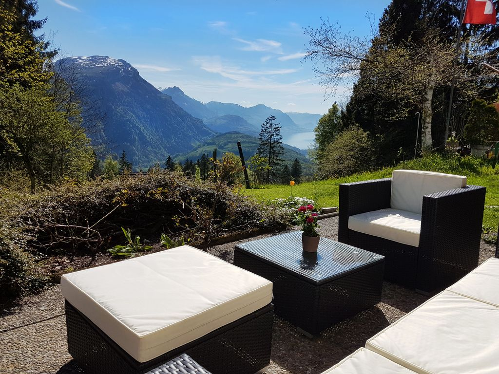 Fantastic view with garden   Quiet apartment in the mountains