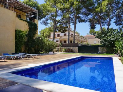 Photo for Santa Ponsa - House near the harbor and only 10 minutes walk to the beach & town!