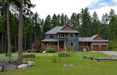 Photo for Sweetwater Lane Farm's Secluded Mountain Chalet with Outdoor Hot Tub!